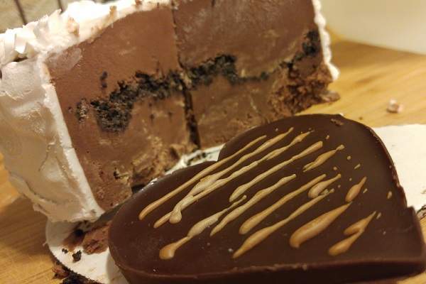 The inside of the Chocolate Peanut Butter Ice Cream Cake.
